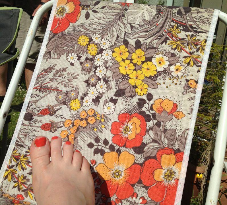 deckchaire toenails