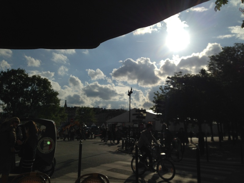paris, cyclists, sunshine