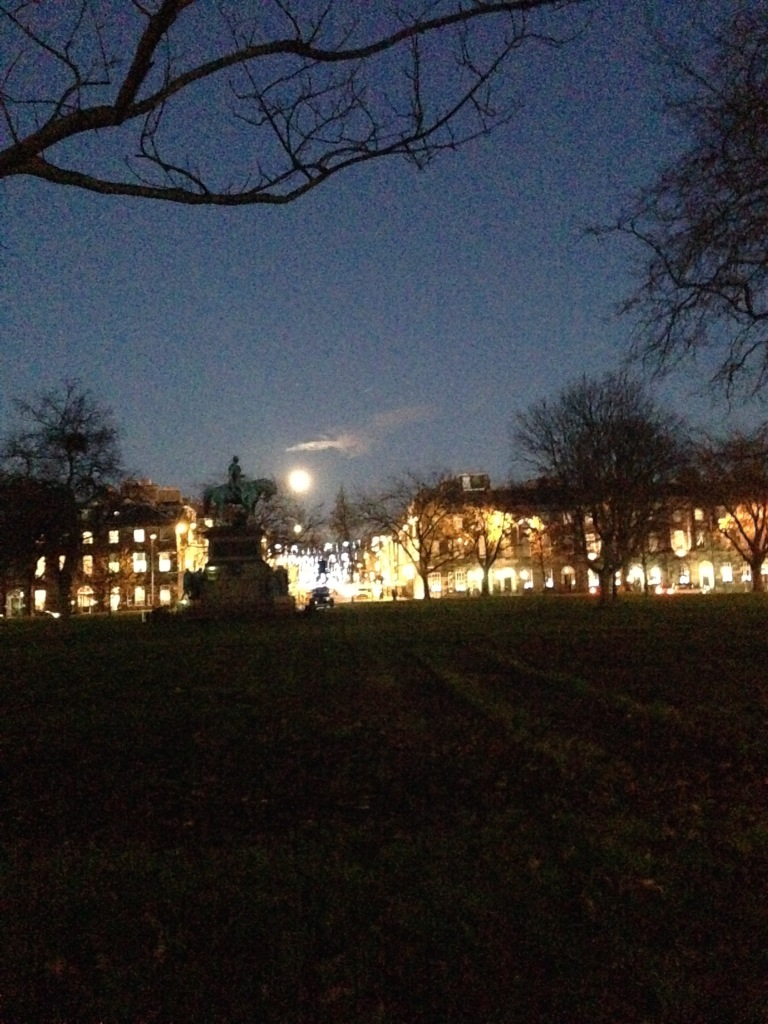 Edinburgh, Charlotte square, full moon